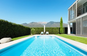 Modern-Pool-Villa-by-Skinner-Pools